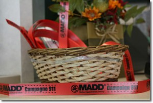 red_ribbon_basket